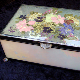 beveled glass with pressed dried flower top jewelry box with silver mirror bottom