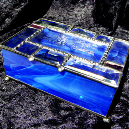 stained glass jewelry box with beveled top and silver mirror bottom